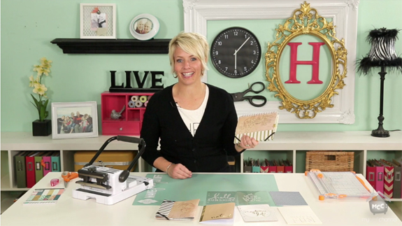@HeidiSwapp shows how to use the @wermemorykeepers Cinch to make a travel journal
