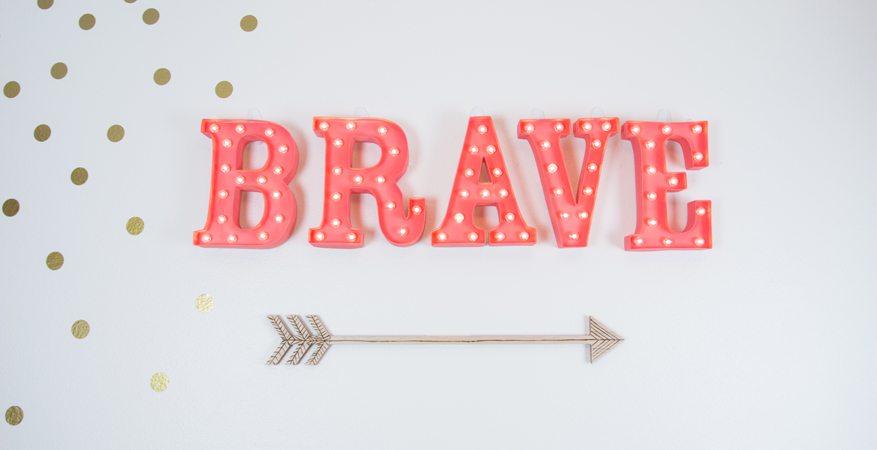 Easy Woodburning Arrow for a children's bedroom by @createoften for @heidiswapp