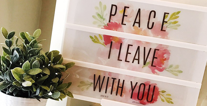 Peace I Leave with You Easter Lightbox Free Printable by @heidiswapp