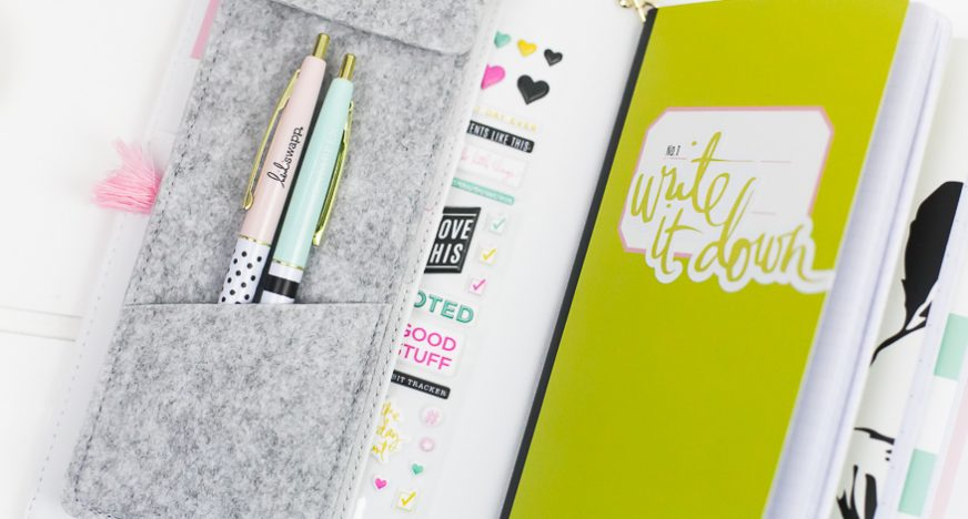 journal studio unboxing video I @lindsaybateman for @heidiswapp