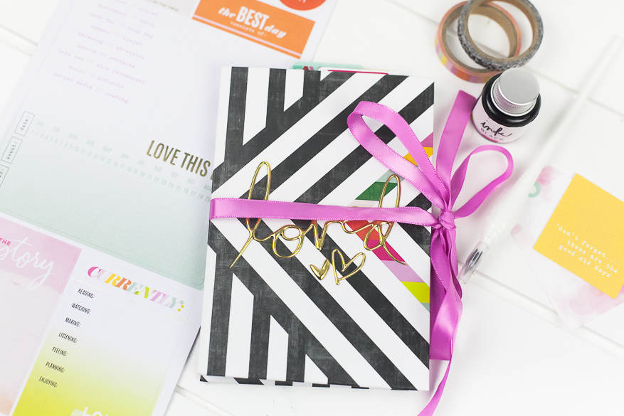 color fresh accordion book I @lindsaybateman for @heidiswapp