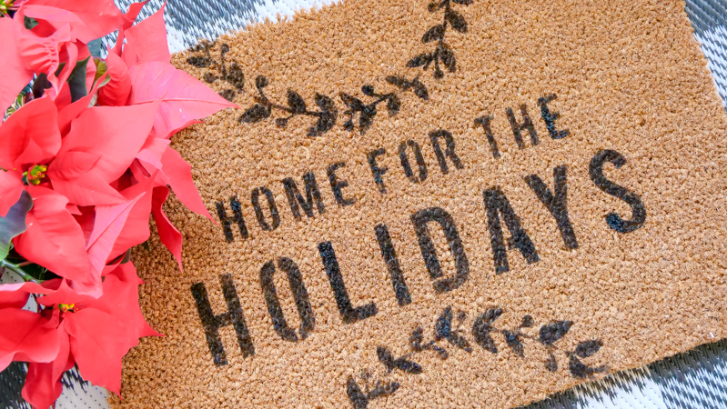 How To Make a Home For The Holidays Gift | Heidi Swapp DIY DoorMat